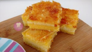 Bolo de fubá com queijo