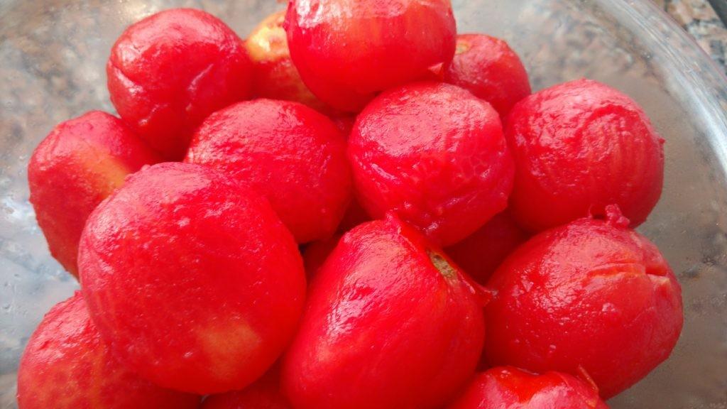 fazendo tomate pelado caseiro