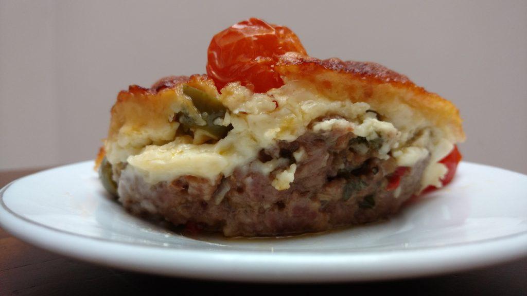 carne moida assada no forno com queijos