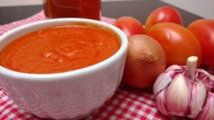 molho caseiro de tomates frescos